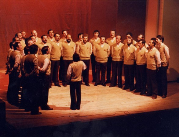 1986_sfedele_coro1